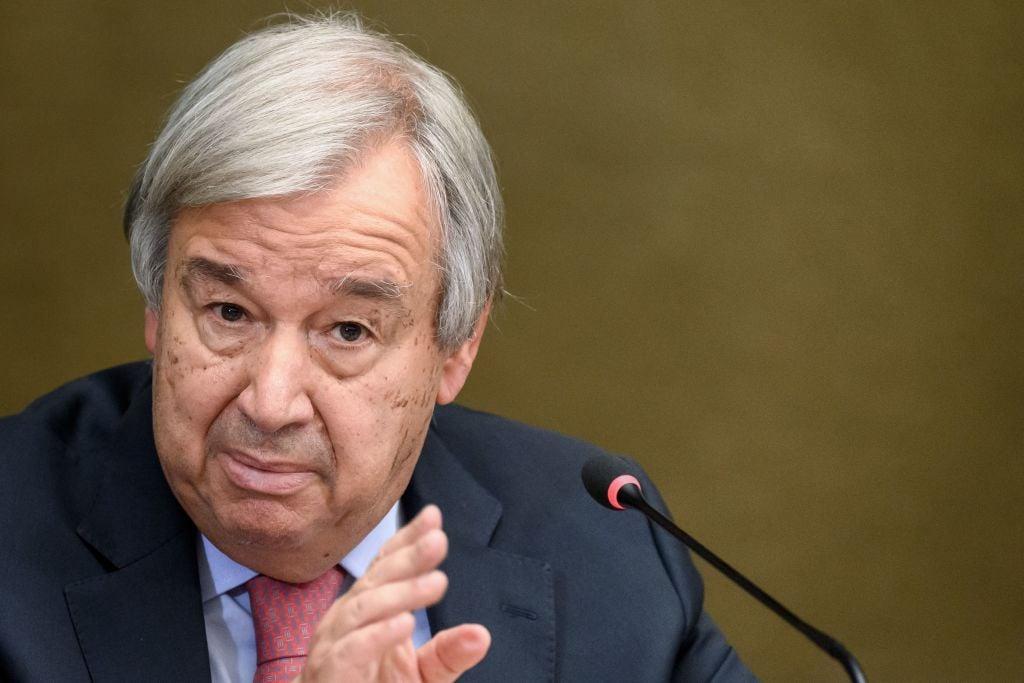 聯合國秘書長安東尼奧·古特雷斯9月13日出席在日內瓦舉行的阿富汗援助主題會議的新聞發布會。(FABRICE COFFRINI/AFP via Getty Images)