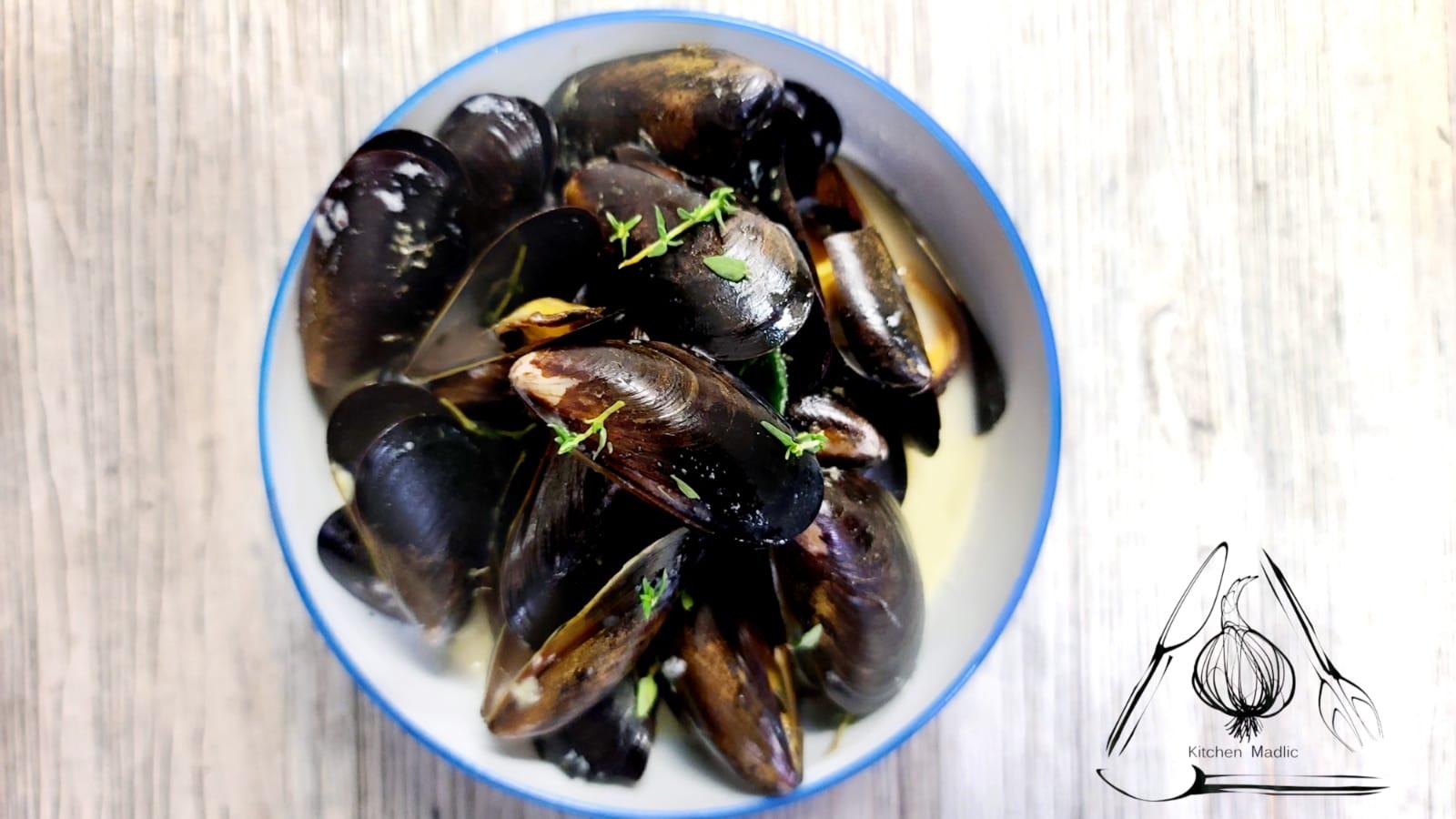 白酒香蔥法國藍貝。(Kitchen Madlic提供)