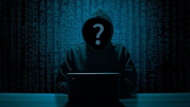 面對中共日趨嚴重的網絡攻擊,前美國安局長警告說,美國將設立紅線。圖為網絡黑客示意圖。(pixabay.com)