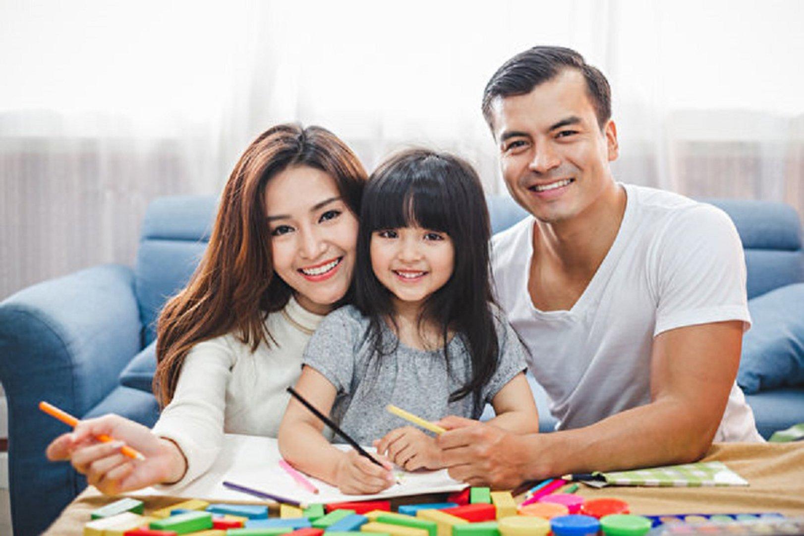 對60年代的孩子來說,和自己的親生父親生活在同一個家裏是理所當然的常識。(Fotolia)