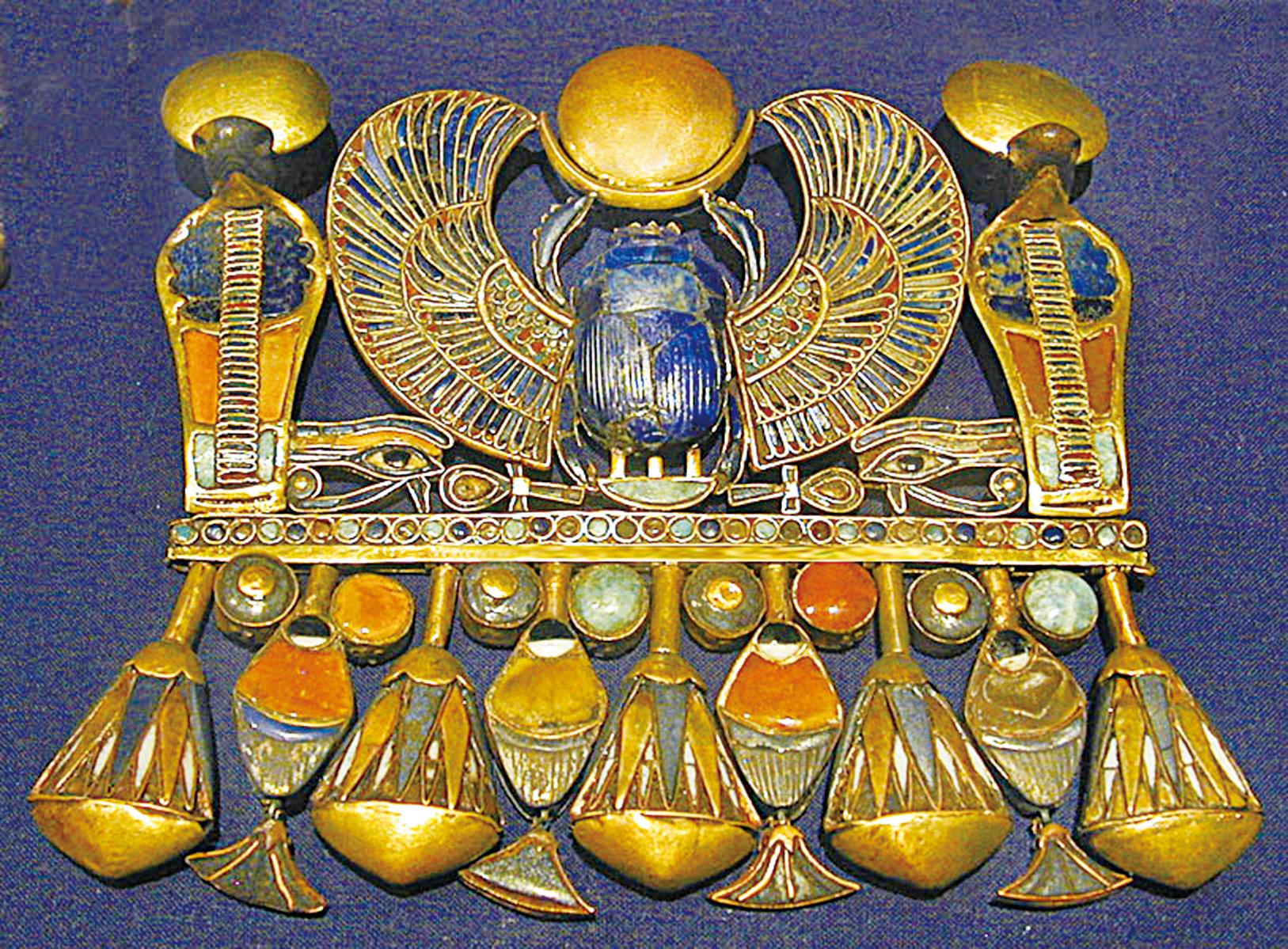 聖甲蟲形珠寶飾物。(網絡圖片)