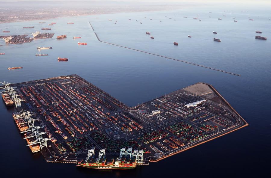 貨櫃高價非市場需求推動 中國航概股「水漲船高」