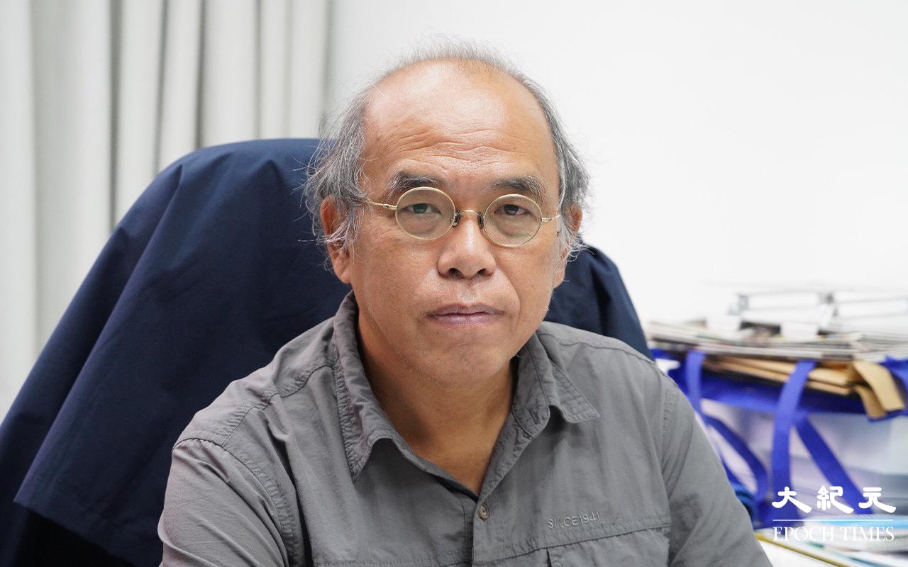 鍾劍華接受記者訪問時質疑警方濫用「國安法」,動不動就以顛覆國家政權作出指控以及檢控,做法「相當之粗暴」。資料圖片(余鋼/大紀元)