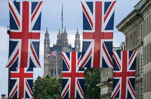 英金融業報告:硬脫歐代價高