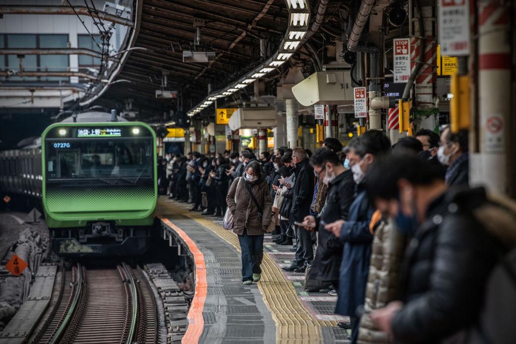 IHS Markit今(9月24日)公布9月份日本綜合產出指數初值為47.7,反映商業活動正在收縮。(Carl Court/Getty Images)