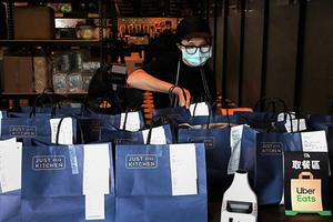 台灣九月疫情普遍受控 唯消費者信心連跌兩個月