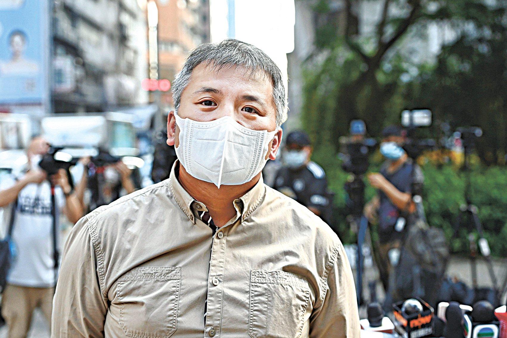 記協主席陳朗昇9月15日會見傳媒,反駁保安局局長鄧炳強的批評。(宋碧龍/大紀元)