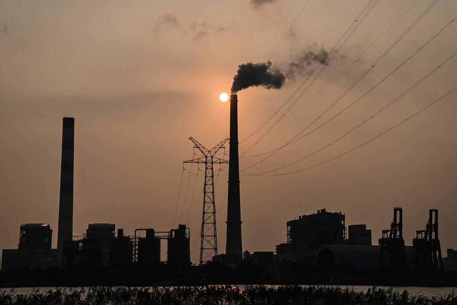 限電風波影響蔓延  分析:製造業受創 外企轉向他國