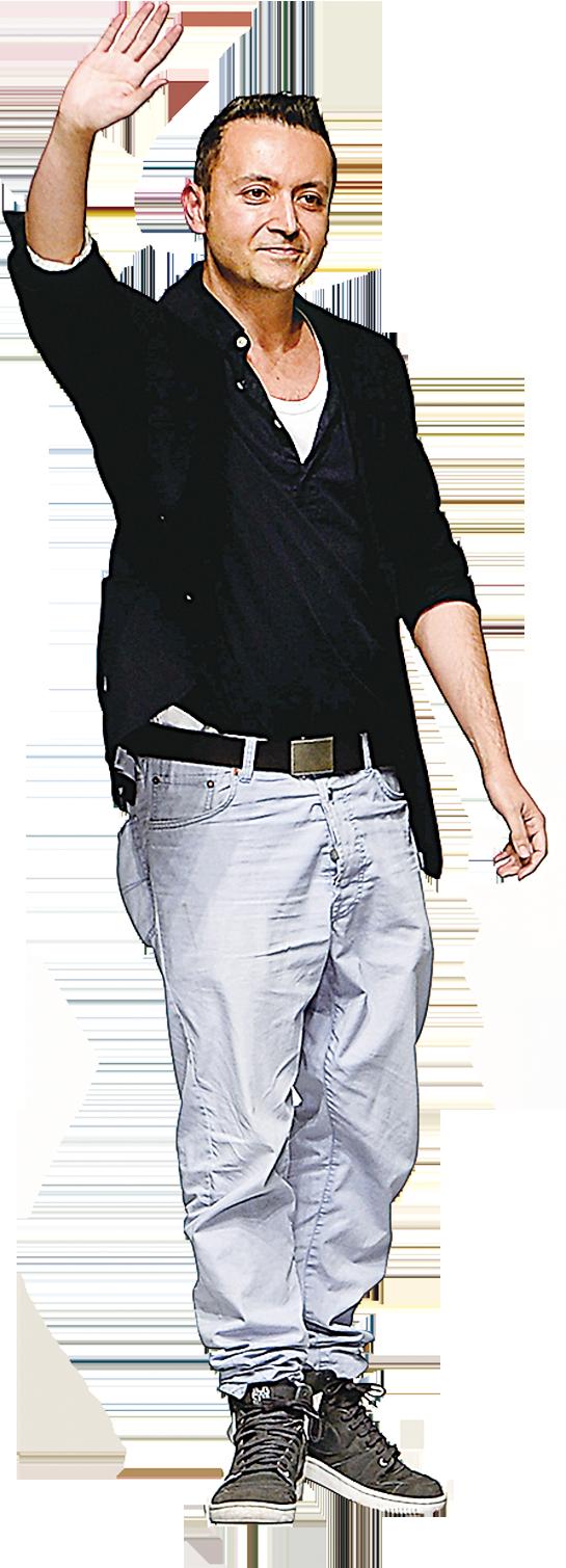 Bora Aksu被譽為英國新一代天才設計師。