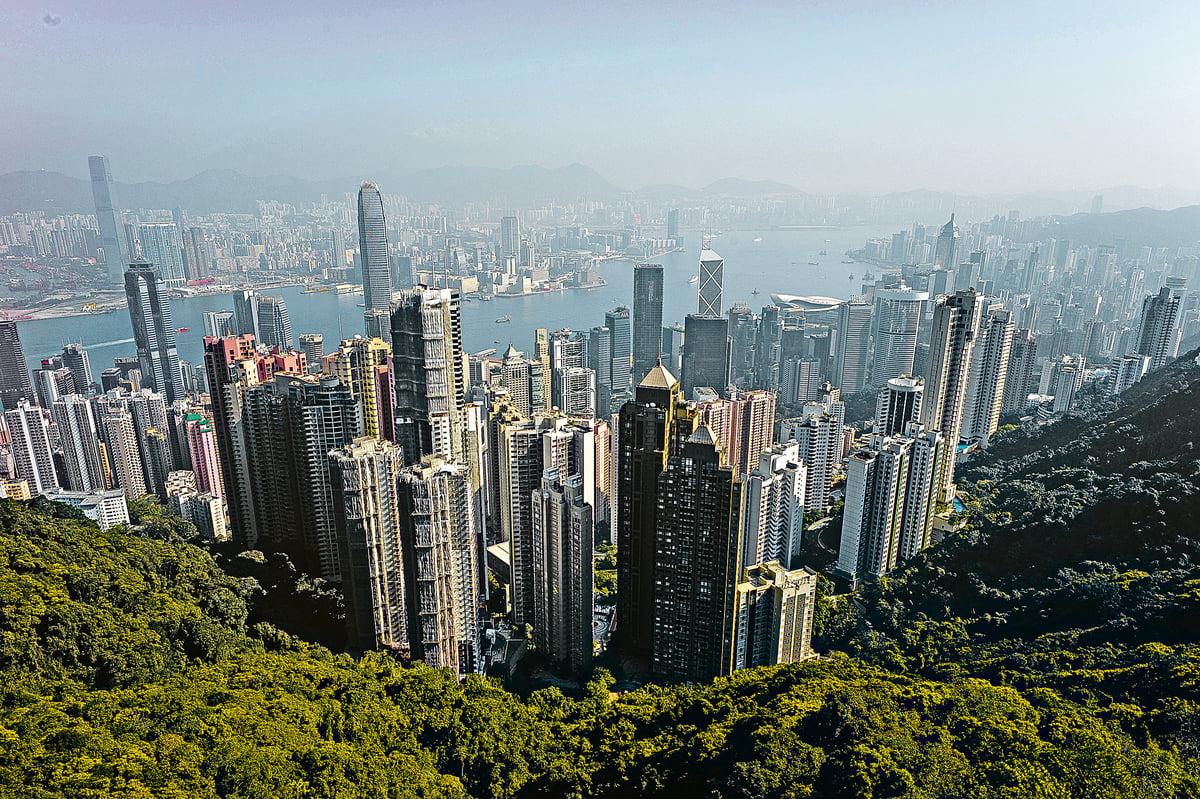 據2014年9月巴克萊銀行調查發現,47%想移民的中國富人中,有30%準備移居香港。(Getty image)