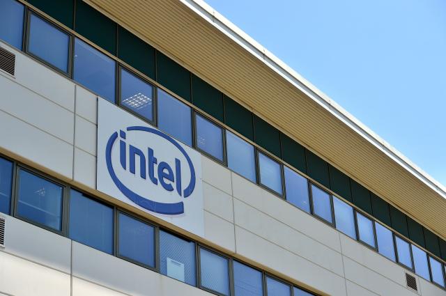 Intel邀中國聯想CEO當顧問 美媒:恐引狼入室