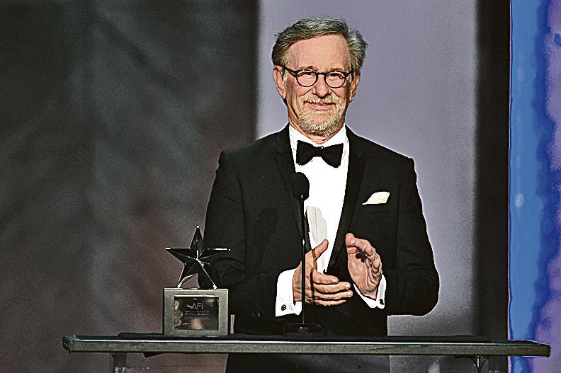 █史匹堡導演過《侏羅紀公園》、《舒特拉的名單》和《雷霆救兵》等多部影史經典。(Getty Images)