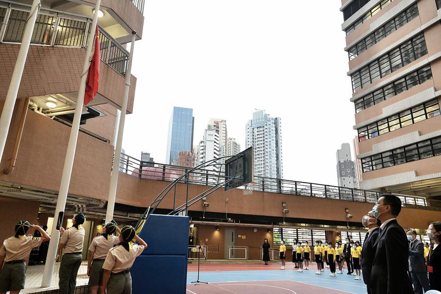 教育局發通告:明年1月起 中小學上課日須掛五星旗