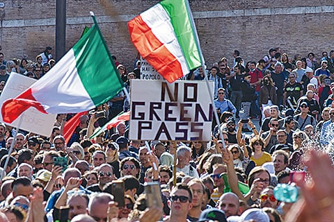 羅馬萬人示威抗議強制疫苗令