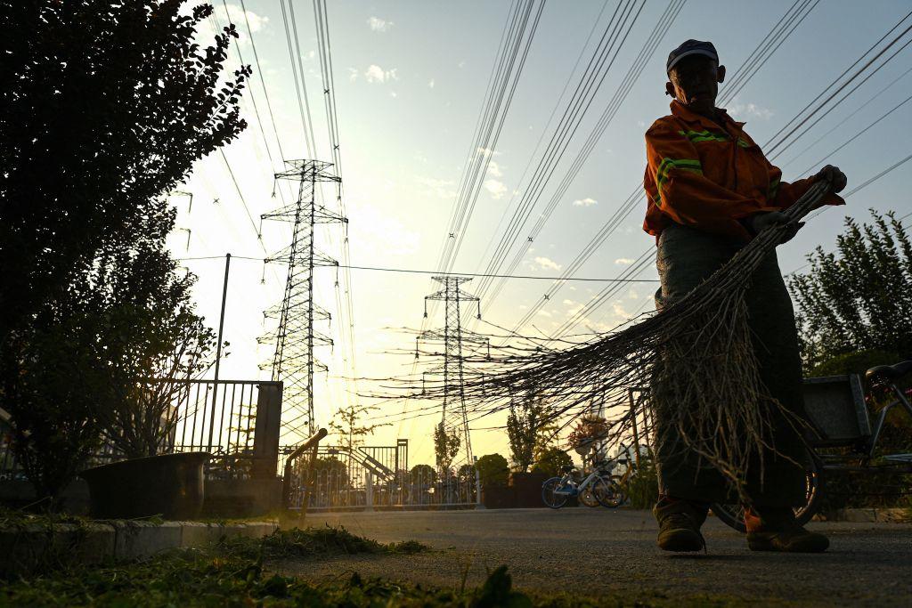 中國新一輪拉閘限電,波及多個省份,多個工廠被限制生產甚至關閉。(NOEL CELIS/AFP via Getty Images)