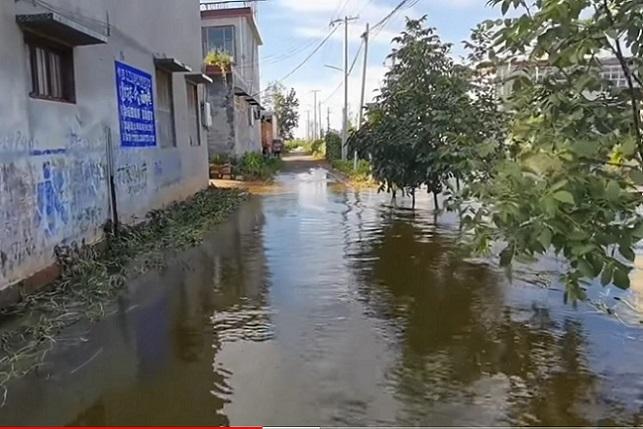 9月分,河南鶴壁浚縣因衛河再次洩洪,村莊被洪水再次倒灌。(視頻截圖)