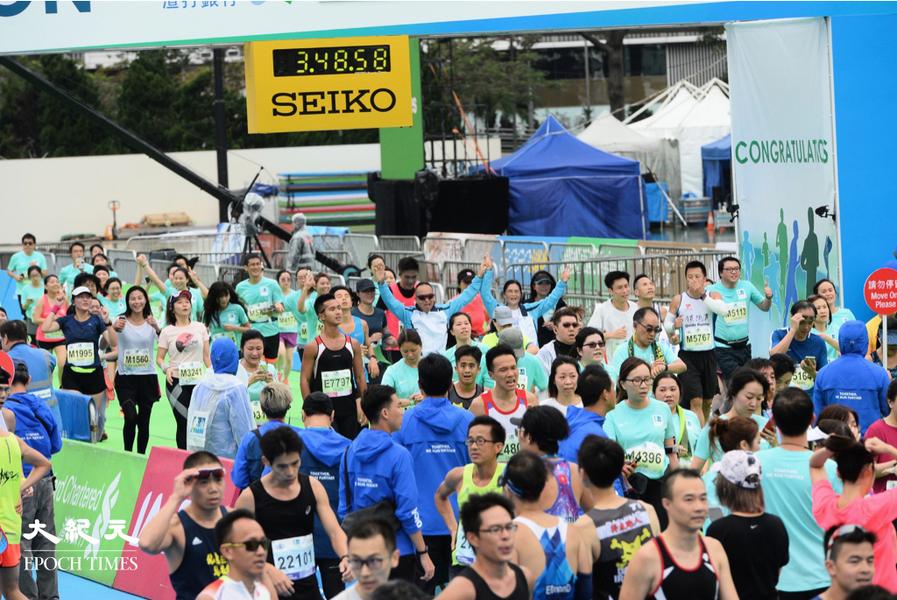 渣馬2021|大會稱不特別限制服裝顏色及文字 「香港加油」沒問題