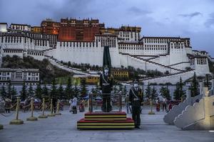 因新疆人權被制裁的王君正升任西藏一把手