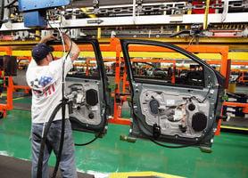 美國10月經濟活動連跌數月反彈 商務部長憧憬下月開關