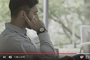 神奇智能錶帶讓你用手指按耳朵即可通話