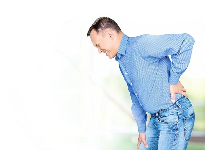 隨時挺胸縮小腹 預防下背痛
