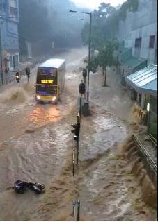 10月首發黑雨多區嚴重水浸