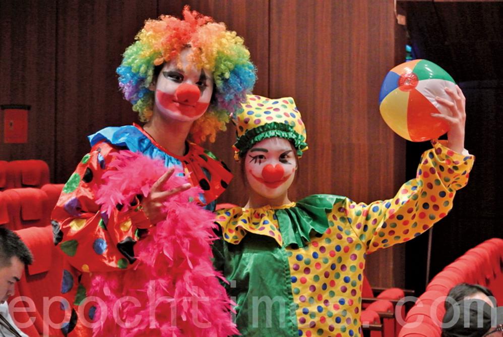 最近兩個月席捲北美和歐澳的「恐怖小丑」潮讓人害怕見到「小丑」。(大紀元圖片)