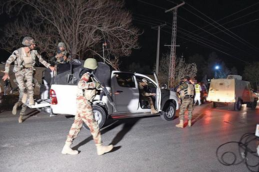 巴基斯坦西南部奎達市(Quetta)一所警察訓練學校,25日遭武裝份子突襲,已造成60人死亡。(AFP)