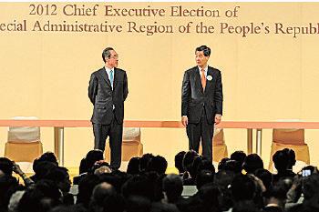 有分析認為,香港局勢越混亂,越有利梁振英尋求連任。圖為2012年特首選舉。(大紀元資料圖片)