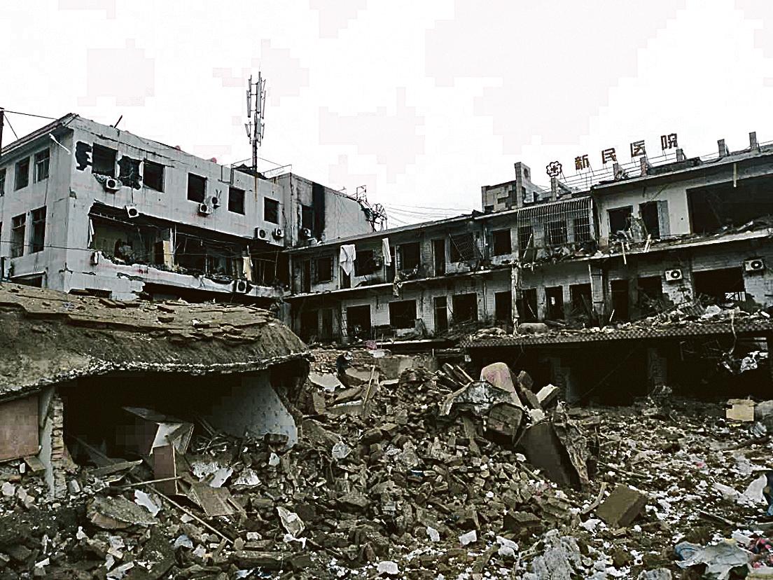 陝西榆林新民鎮一建築10月24日發生爆炸,建築物被夷平。(大紀元資料室)