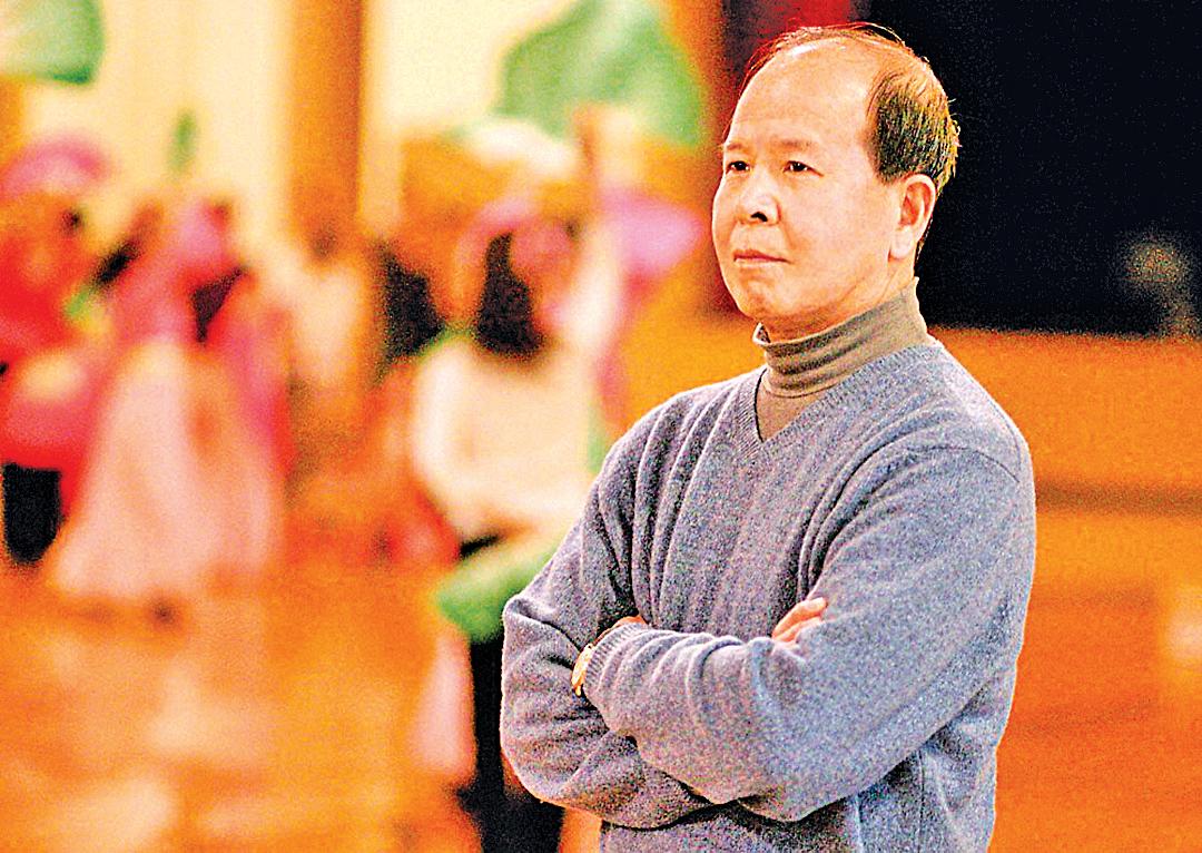 陳汝棠先生退休前是中國中央樂團交響樂隊隊長,他看了法輪功師父的講法錄像後,3天就把35年的煙癮徹底給戒了。