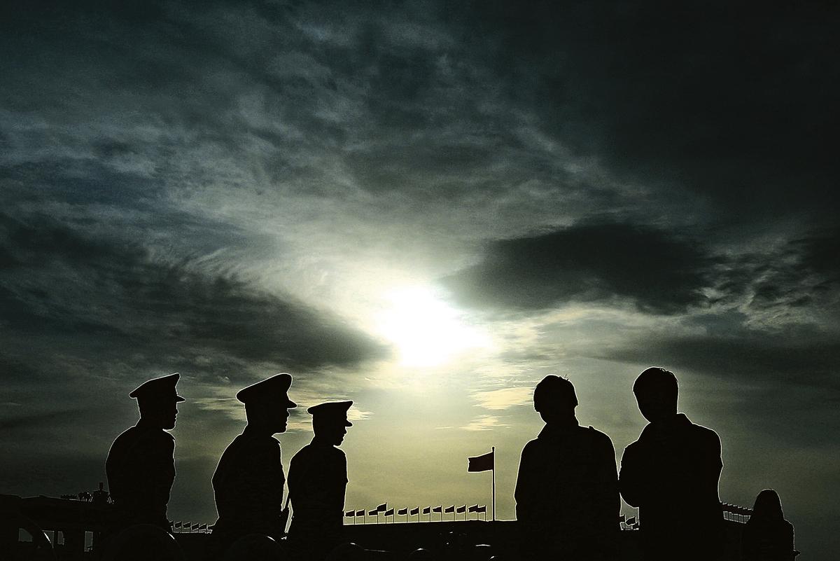 六中全會的兩項大事,其實是習江鬥的必然發展;六中全會後,習江大戰將進入「圍剿階段」。(Getty Images)