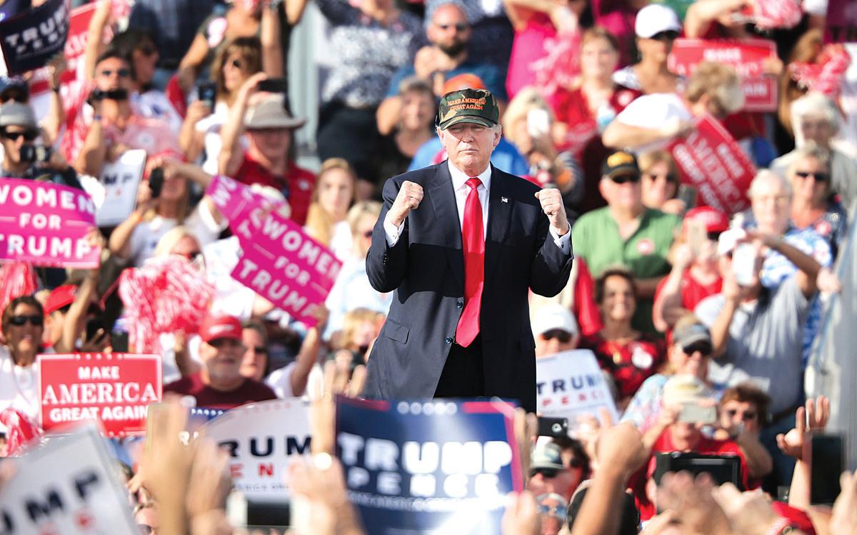 希拉莉選情受影響,選票未必會轉投共和黨候選人特朗普,但兩者的支持度已經拉近。(Getty Images)