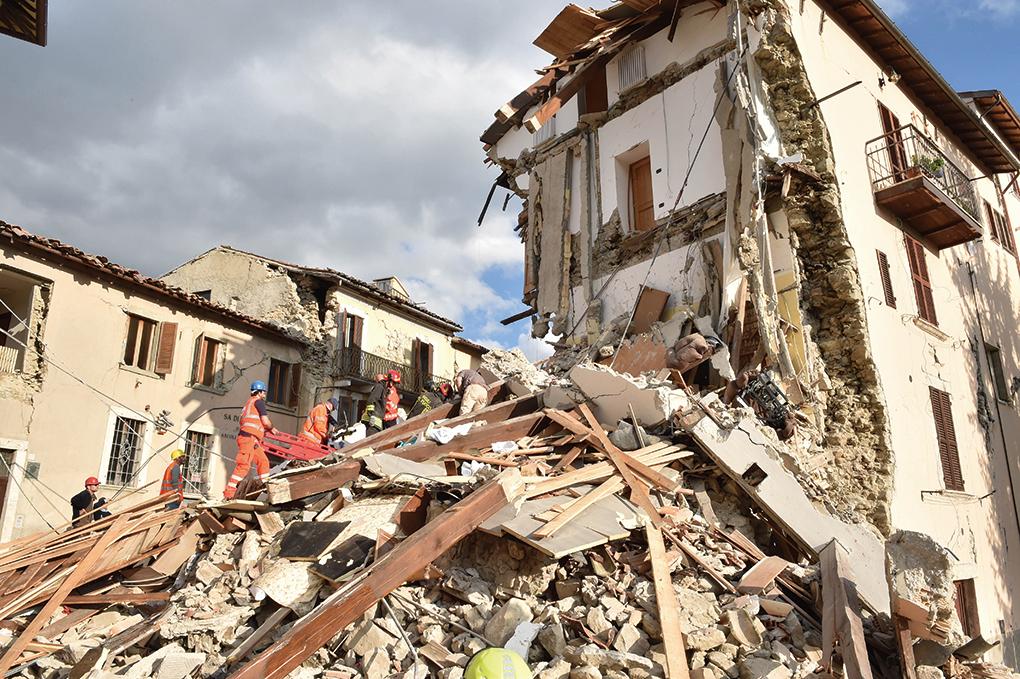 意大利佩魯賈於2016年10月30日發生規模6.6級地震。本圖為8月24日佩魯賈發生強震後的情形。(Getty Images)