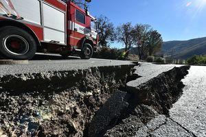 意強震又毀上萬人家園 專家預測還沒完