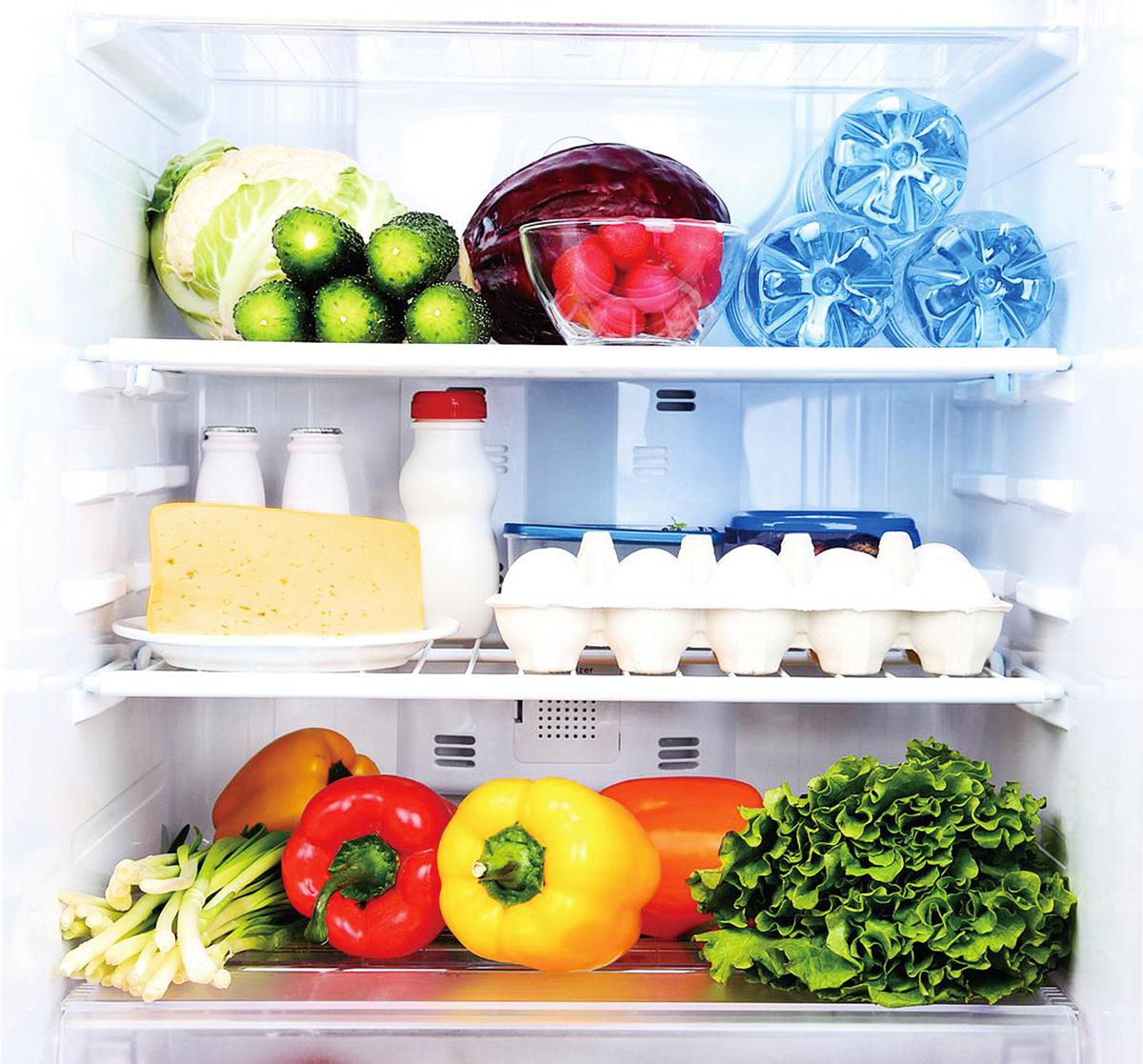 雪櫃內部應保持清潔,要不時搽拭,衛生之餘也可確保食物新鮮。(Fotolia)