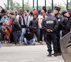 法國安置加萊千六未成年難民 多去英國