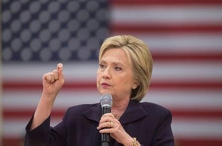 希拉莉在佛羅里達州西班牙裔選民中的支持度達到60%,超過特朗普30%,為共和黨及特朗普勝選構成強大威脅。(Scott Olson/Getty Images)
