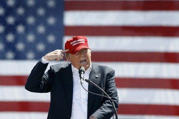 美國今天舉行總統大選,在東岸首批投票所關閉前僅幾個小時,共和黨候選人特朗普最後關頭再度向選民催票,呼籲選民踴躍出來投票,表示選舉「離結束還早得很」。(Ralph Freso/Getty Images)