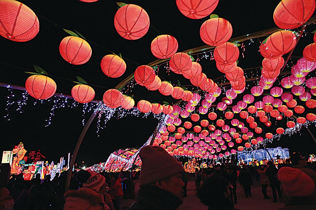 熱鬧非凡的台灣燈會。(台灣觀光局)