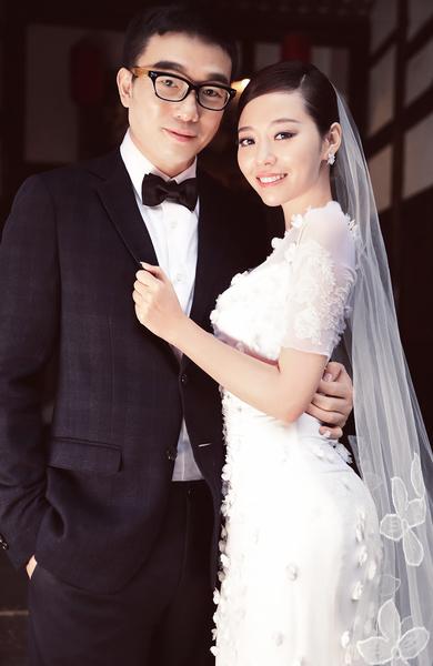 張靚穎意大利古堡結婚 劉亦菲當伴娘