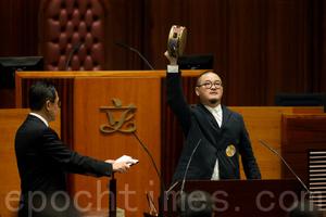8議員遭覆核強調宣誓合法