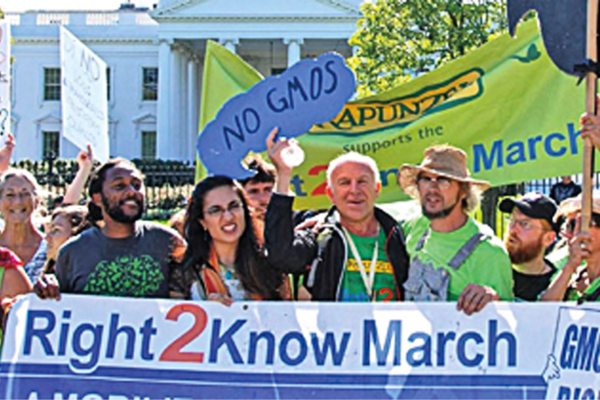 Wilhelm先生參與了從紐約步行到華盛頓的「We Have a Right 2 Know – Label GMO」(我們有權知道——標簽GMO)反基因改造遊行。
