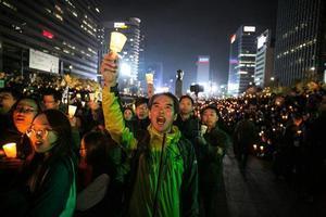 過百萬人聚集首爾 激動要求朴槿惠下台
