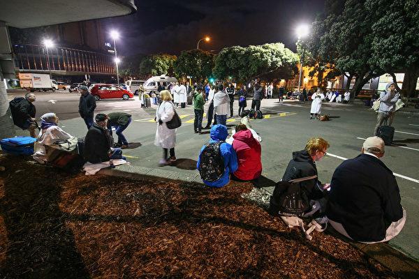 當地時間本周一(14日)凌晨零時2分,新西蘭基督城(Christchurch)北部地區發生規模7.8級猛烈地震。(Hagen Hopkins/Getty Images)