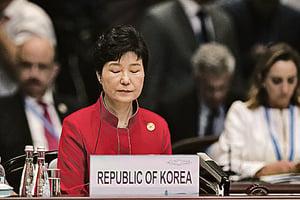 百萬民眾抗議後  南韓檢方下周調查朴槿惠