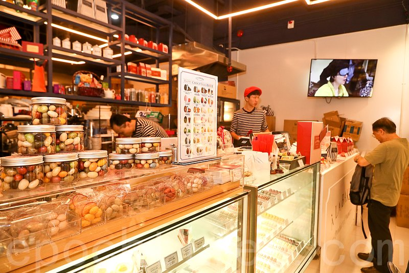 蔡和平法式麵包連鎖店A La Bakery以大眾價格帶給顧客地道法國風味優質包點。(宋祥龍/大紀元)