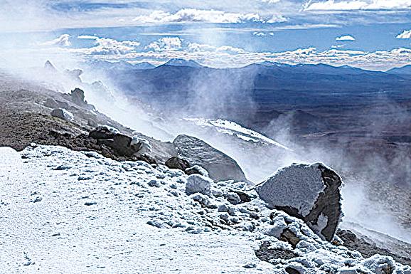 南美火山地下熱湖 水量堪比第二大湖