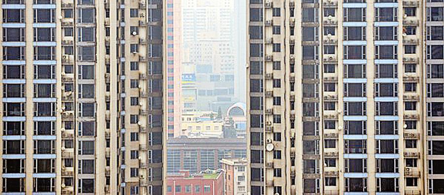 一線樓市成交大跌近24%