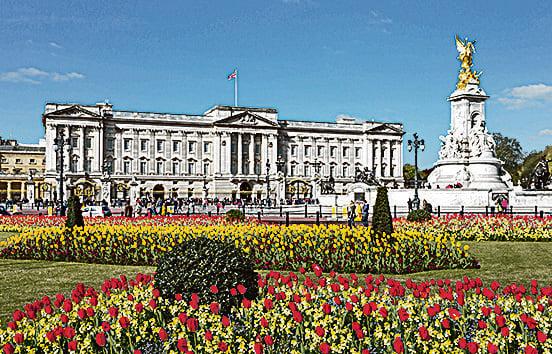 有300年歷史的白金漢宮是英國女王的住宅。(維基百科)